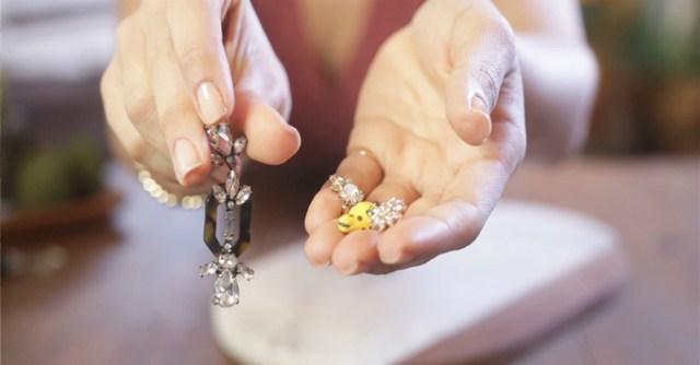 Как использовать серьги без пары: 3 очаровательные идеи