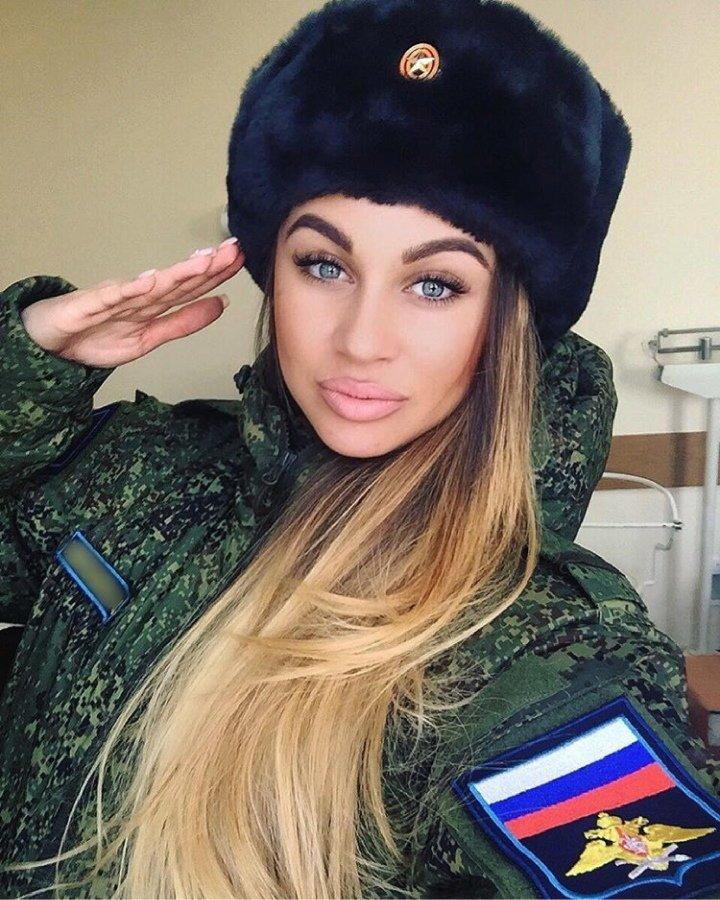 russkie-devushki-v-armii-foto-kak-ebut-veru-brezhnevu-v-sortire-porno