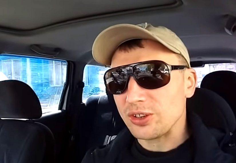 «Ходят довольные, в ресторанах кушают»: живущий в России украинец рассказал про «обнаглевших» русских
