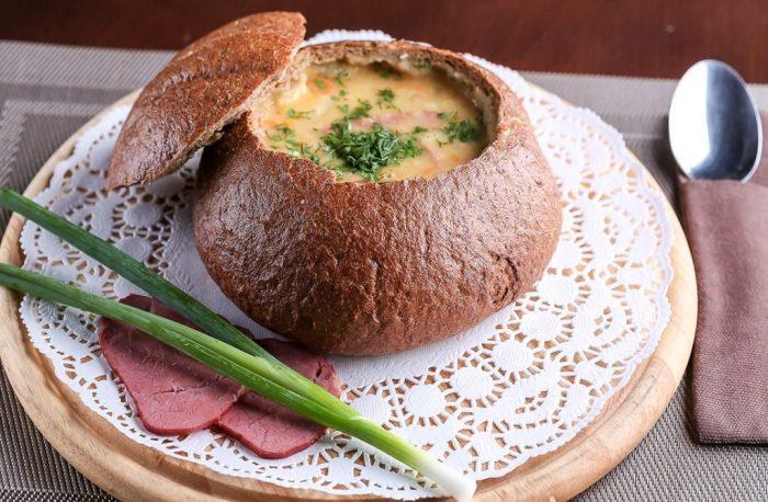 Суп в хлебе.  Фото: yaisup.ru.