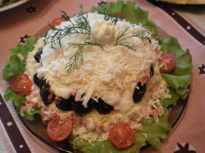 Слоеный салат «Черный жемчуг»