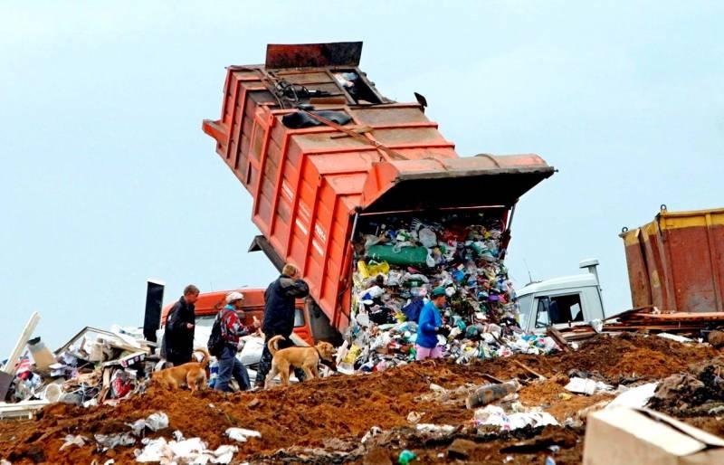 Запад потирает руки в ожидании «мусорной революции» в России