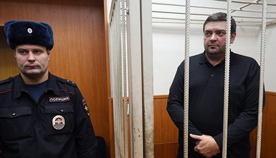 """Обвиняемого в хищении 1 млрд """"Роснано"""" оштрафовали на 100 тысяч и освободили от уплаты штрафа"""