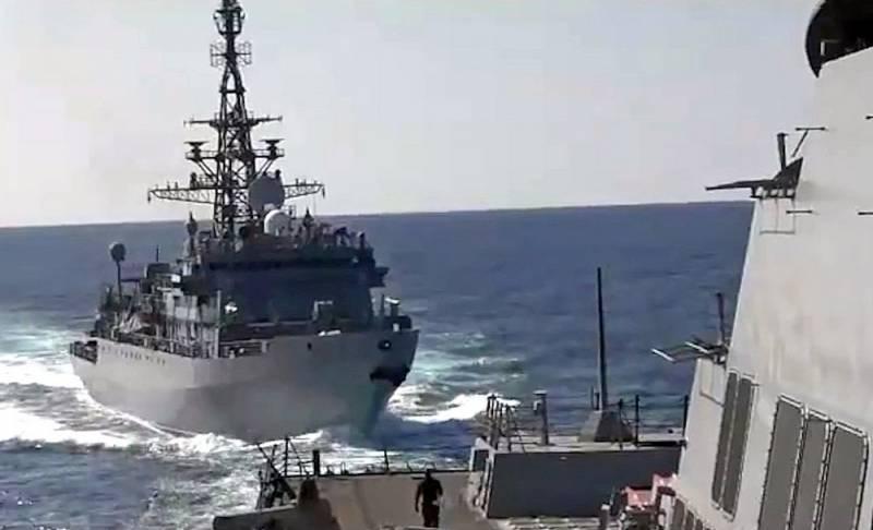 Business Insider: Агрессивные действия РФ в Черном море могут закончиться «советскими таранами» Новости