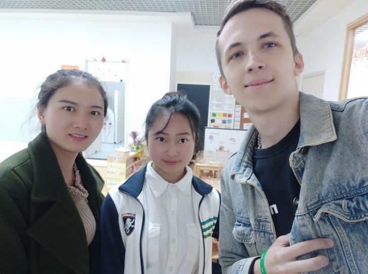 Русская девушка 3года работала учительницей вКитае ирассказала осамых странных местных привычках