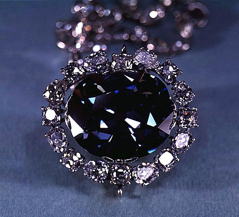 Камень, овеянный легендами. История бриллианта, ставшего прототипом -Сердца океанов- в фильме -Титаник-