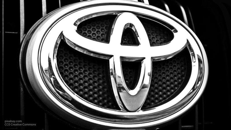 Toyota представила новый люксовый 10-местный минивэн
