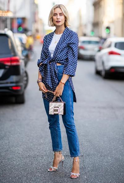 Французский шик: 6 интересных идей, как носить вещи в горошек