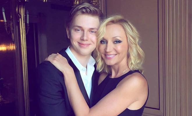 Сын Кристины Орбакайте Дени Байсаров опроверг слухи о своей помолвке Дети,Дети знаменитостей
