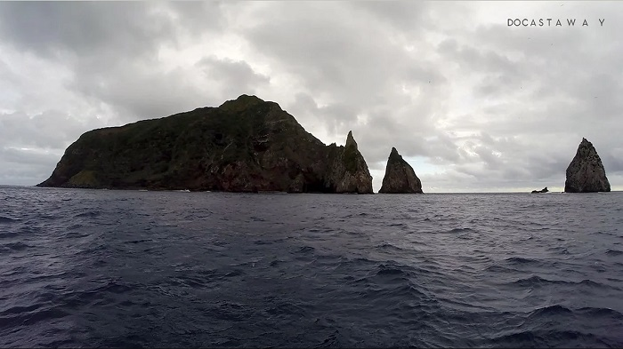 Остров, на котором Уорнер заметил детей.