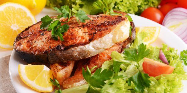 Горбуша в духовке с овощами: простой рецепт