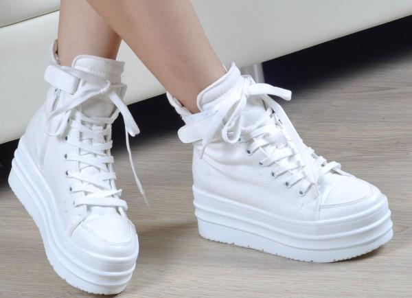 Самые модные кроссовки и кеды сезона весна-лето 2017: стильные варианты