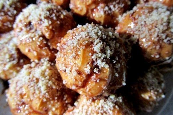 Лучшие пирожные в мире — Профитроли с кремом и грецкими орехами
