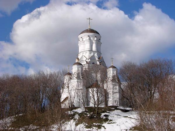 Обычно сразу вспоминают о пятистопной Дьяковской церкви. архитектура, загадки, история, история россии, расследования, тайны