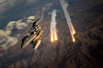 Американские самолеты нанесли удар по российской авиабазе в Сирии