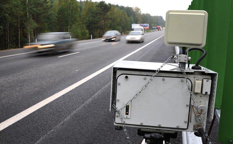 В правительстве предложили отказаться от частных камер на дорогах закон