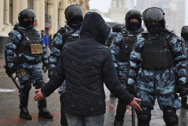 В Московском профсоюзе полиции позавидовали зарплате белорусского ОМОНа зарплаты,общество,полиция,россияне,Силовики