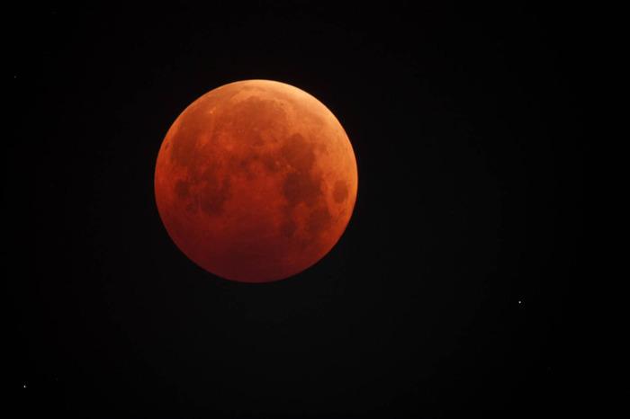 Онлайн-трансляция полного лунного затмения 27 июля 2018 года