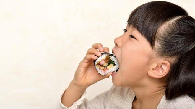 Для жителей многих стран Азии желание поесть шоколада просто необъяснимо