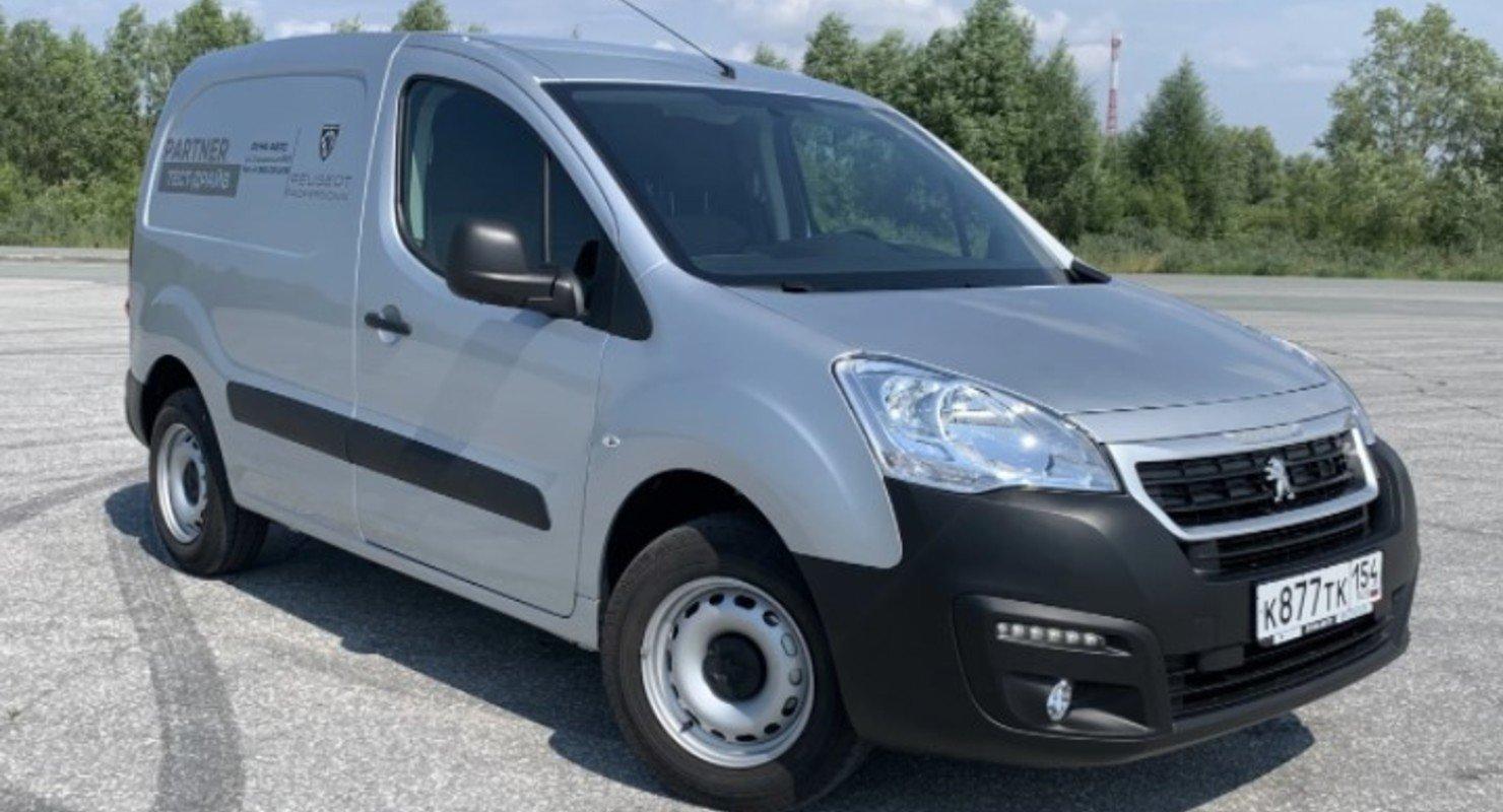 Вместительный новый Peugeot Partner способен поместить 3 кубометра груза Автомобили