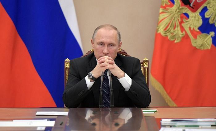 """Путин узнал """"кое-что новое"""" после прямой линии"""