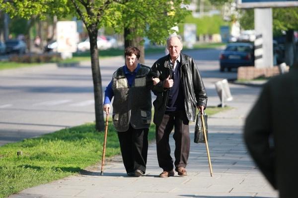 Профсоюзы собрали 170 тыс. подписей против повышения пенсионного возраста