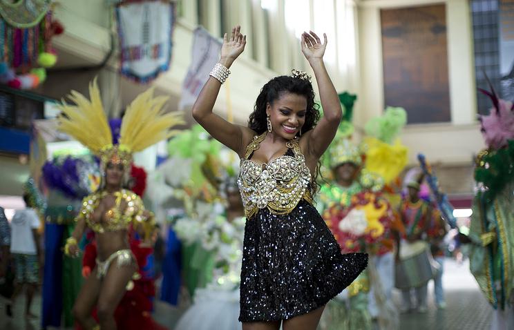 В Рио-де-Жанейро начинается карнавал, который должен привлечь в город до 1,5 млн туристов