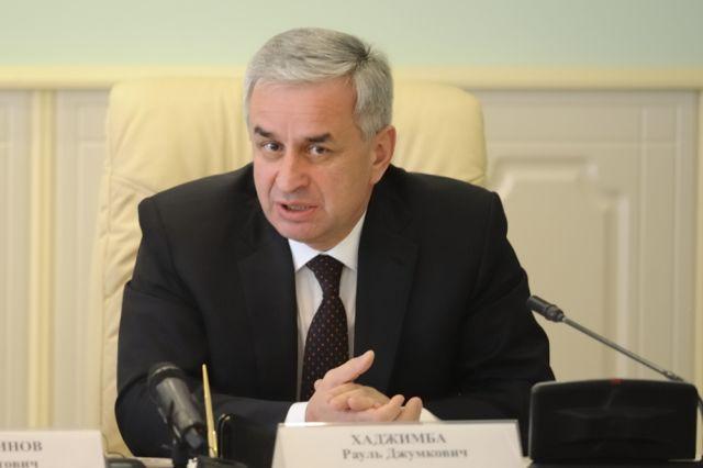 Глава Абхазии проголосовал на выборах президента РФ
