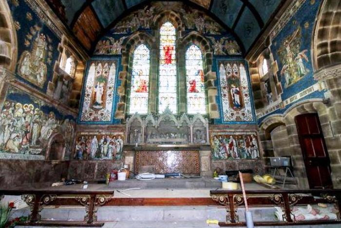 Большой зал для литургий изменять нельзя.