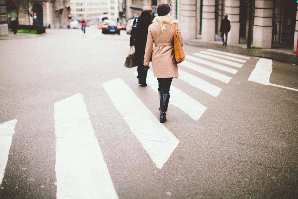 """В России могут увеличить штраф за непропущенного на """"зебре"""" пешехода"""