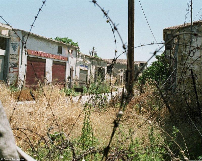 """Турецкая республика Северного Кипра признана только Турцией. Турция держит там свой военный контингент - более 35 000 человек. Военная операция 1974 года носит название """"Операция Аттила"""" военная операция, зона, кипр, нейтральная, познавательно, разделение, столица, турция"""