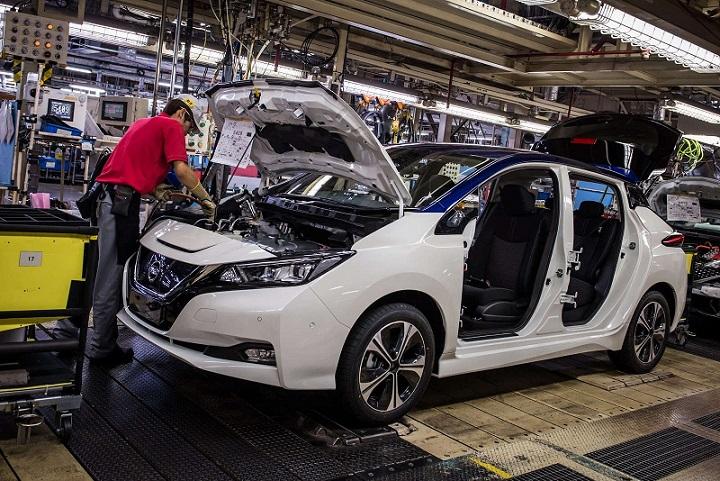 Электромобили оставят без работы 80 тысяч человек