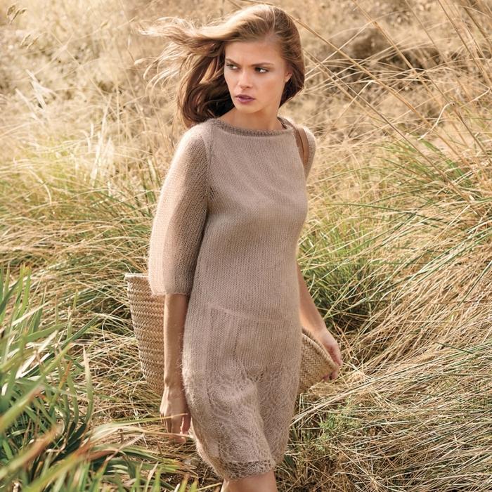 Платье из тончайшей пряжи с ажурной каймой
