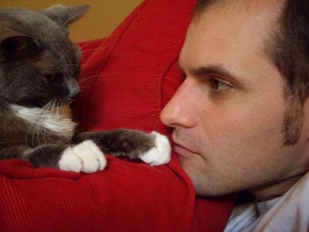 «Плотоядные поневоле: Кошки, собаки и что на самом деле значит быть веганом»