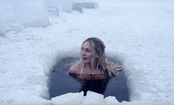 Утренняя зарядка по-шведски: ледяная прорубь зарядка