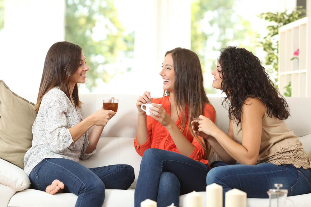 Картинки друзья за чаем
