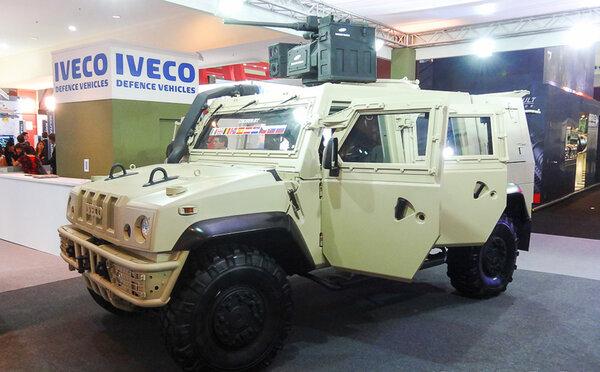 Iveco LMV-65.