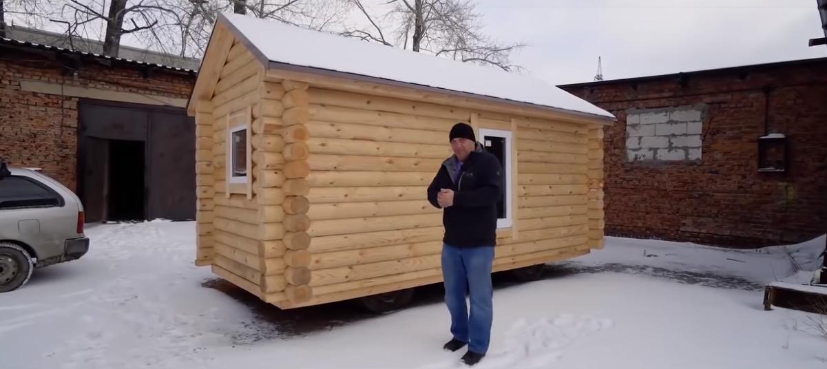 Деревянный дом на базе УАЗа