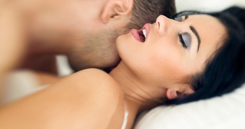 муж довел жену до экстаза во время полового акта видео ниже