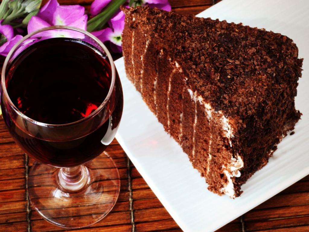 Подруга-диетолог рассказала, почему модная кето-диета не приносит пользы: вы мало едите и пьете алкоголь