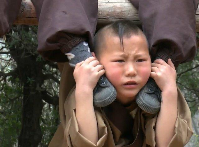 Как тренируются юные монахи Шаолиня Шаолинь, монахи, тренировки