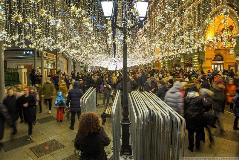 Заборы наготове, ждут Новый год. красиво, красота, москва, новый год, праздник, рождество, столица, фотография