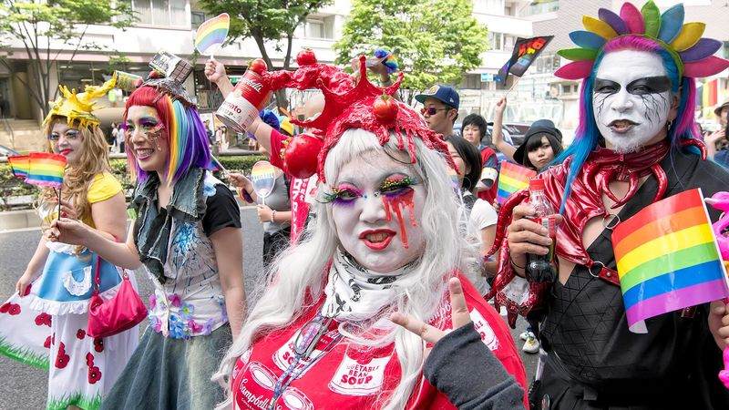 «Голубизация» Японии: вместо самураев – «боевые педерасты»