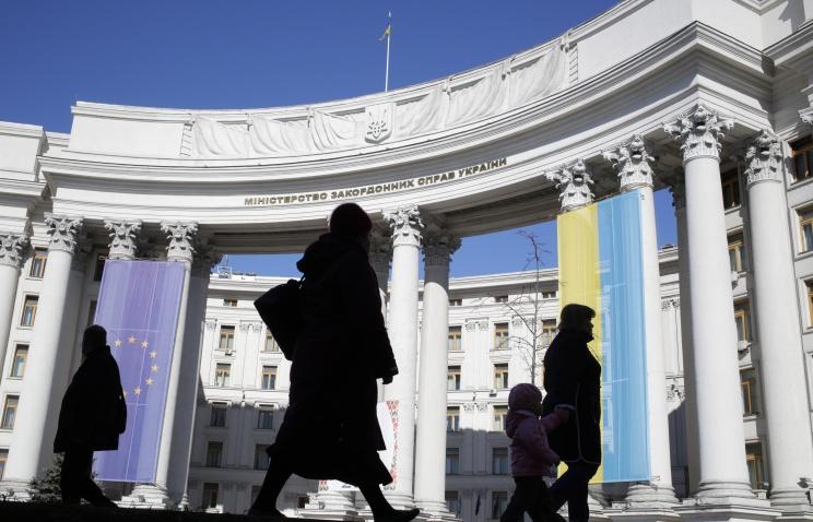 МИД Украины призывает Россию повлиять на ситуацию в Славянске