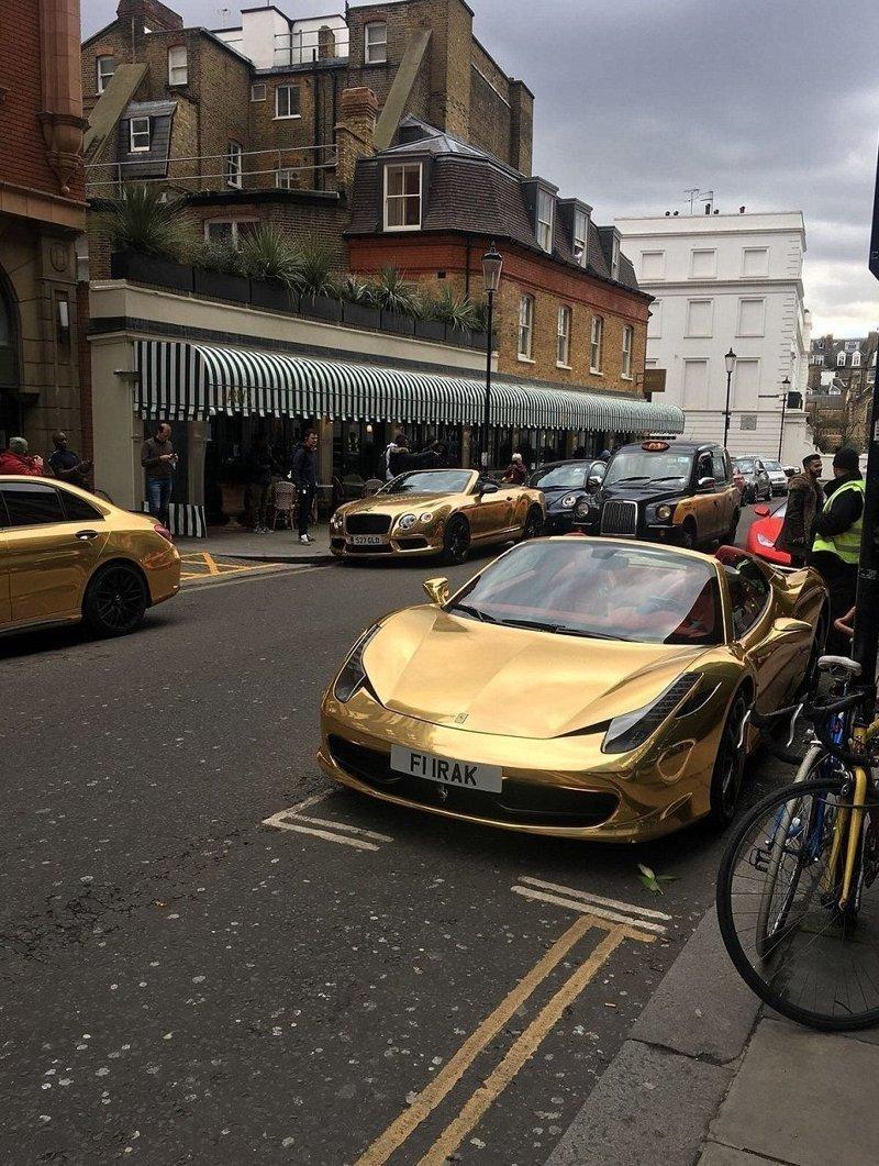 Bentley Continental GTC оценивается в £160000, а Porsche Panamera - £90000 bentley, ferrari, mercedes, porsche, авто, золото, лондон, суперкар