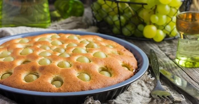 Рецепт пирога с виноградом