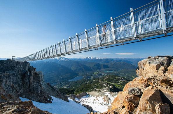 Канадцы открыли самый высокий мост в Северной Америке