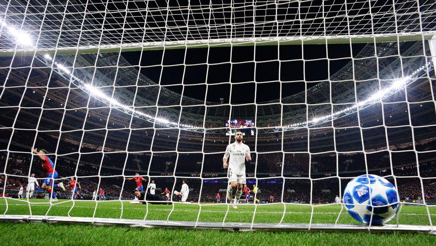 В матче третьего дивизиона России команды забили 44 мяча на двоих