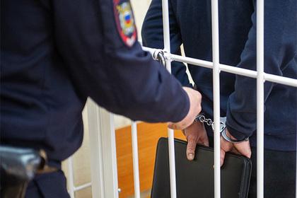 Ура у нас новый рекордсмен, Захарченко теперь только второй. У арестованных полковников ФСБ нашли 12 миллиардов рублей