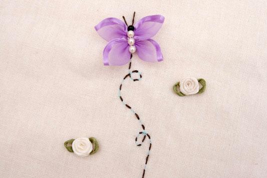 Превращаем ленты в порхающих бабочек: мастер-класс из лент,рукоделие,своими руками